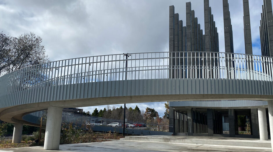 Ramp handrail for Less Pavilion
